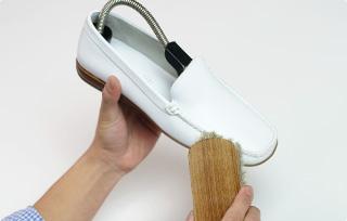 靴全体のブラッシング